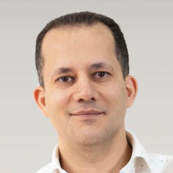 Dr Mazin Alaridhi, our principal dentist
